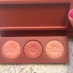 Clinique Makeup - Clinique blush trio